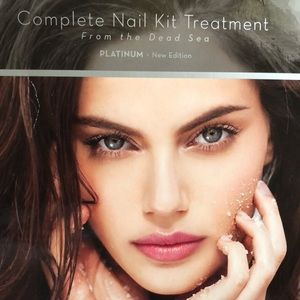Complete nail kit